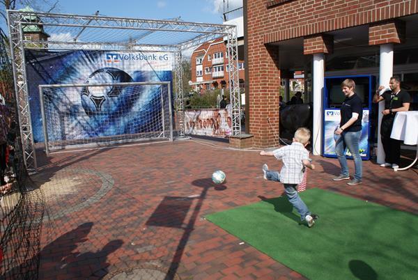 SONY DSC-4-x-2-meters-soccer-goal-size